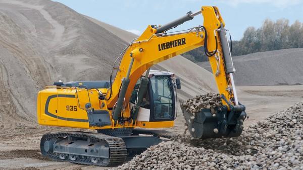 無限軌道掘削機などの建設機械では、使用する軸受に幅広い要件が求められます。