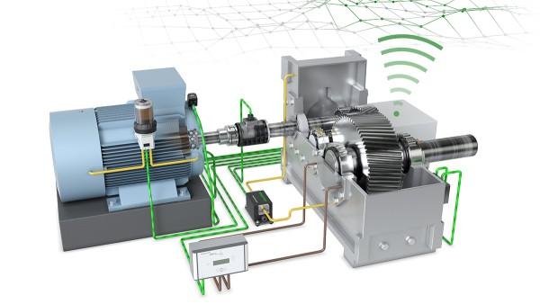 シェフラーの「ドライブトレイン 4.0」の技術デモンストレーターが、生産と機械の監視をデジタル化するソリューションについて説明します。