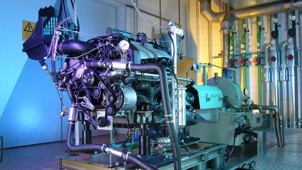 オートバイおよび特殊車両向け産業ソリューション:エンジンテストスタンド
