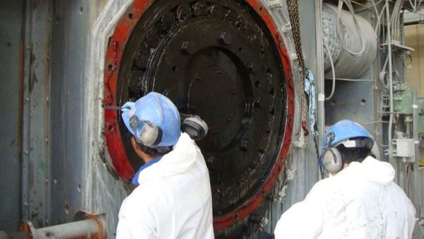 高圧粉砕ロール(HPGR)のメンテナンス作業