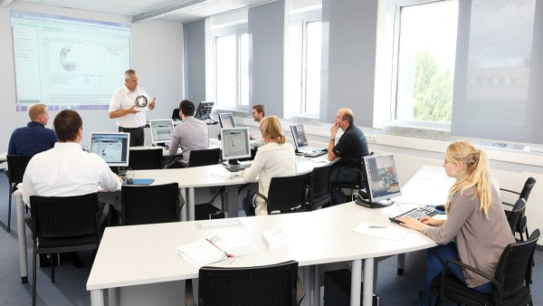 The modular range of courses  on offer at our Schaeffler Technology Center – Training is based on the principle of holistic expertise.