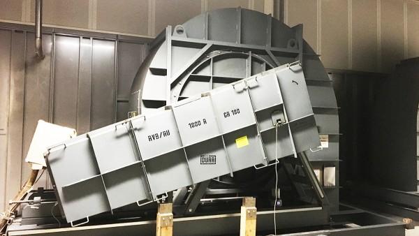 塗装施設の排気セクションのベルト駆動式ラジアルファン
