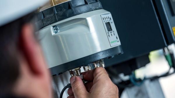 潤滑装置Concept8は、適切な量のグリースを最大8カ所の潤滑ポイントに正確に供給します。